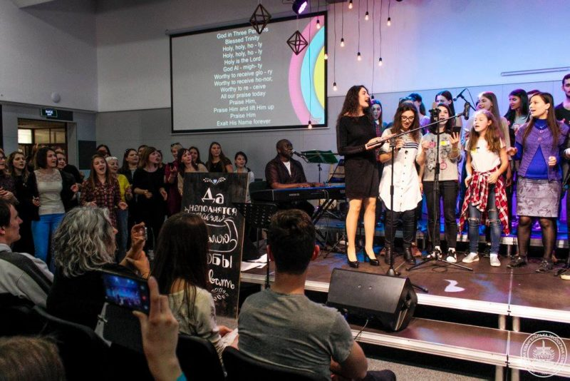 Steve ministering with Workshop Choir